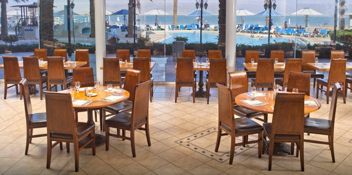 Crowne_Plaza_Dead_Sea_lunch