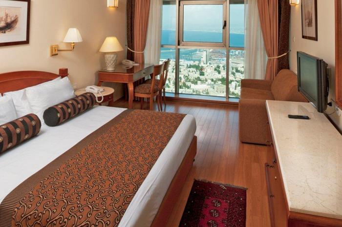 Crowne_Plaza_Haifa_room