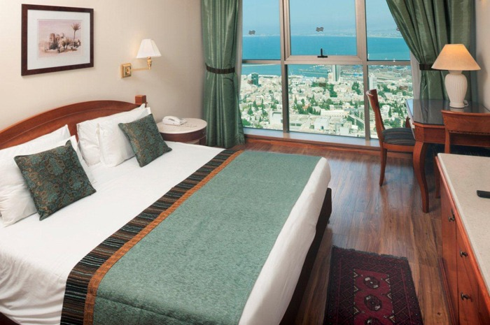 Crowne_Plaza_Haifa_room1