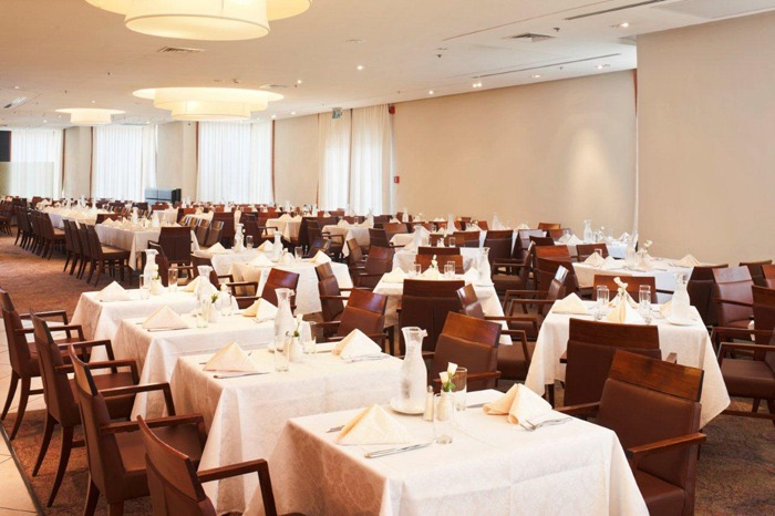 Crowne_Plaza_Jerusalem_lunch