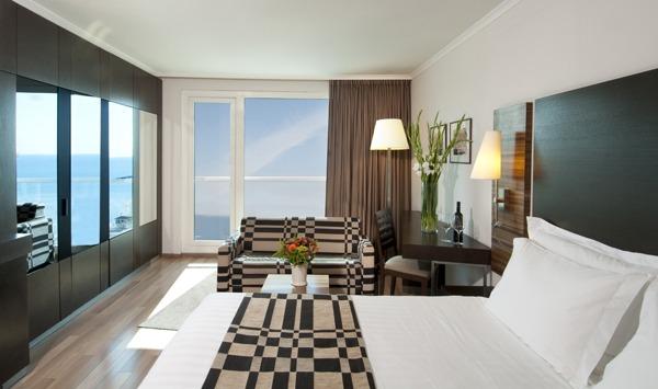 Crowne_Plaza_TelAviv_room