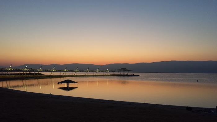 avt_dead_sea_night