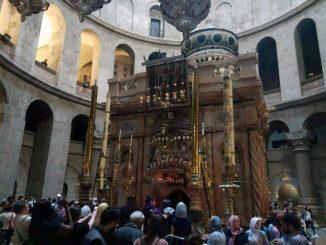 Пасхальный Иерусалим. (Схождение Благодатного Огня, освящение куличей в Горненском монастыре)
